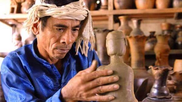 Ninh Thuận: Bộ VHTTDL đồng ý xây dựng Hồ sơ Nghệ thuật làm gốm truyền thống của người Chăm trình UNESCO