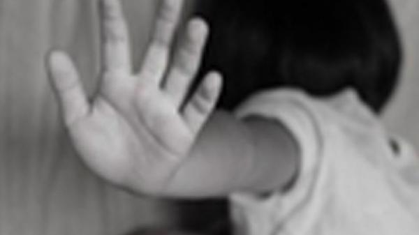 Ninh Thuận: Nghi án cháu gái 8 tuổi bị hàng xóm bà ngoại dâm ô ở đống rơm