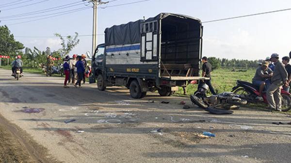 Bình Thuận: Lao vào đầu xe tải, 1 người t.ử vong