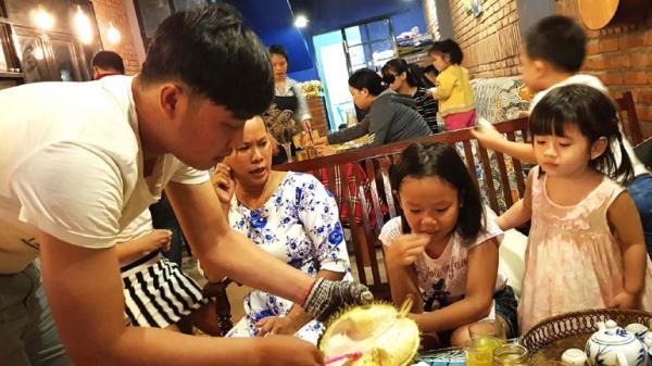Hào hứng với ăn sầu riêng trả hạt tại Phú Yên