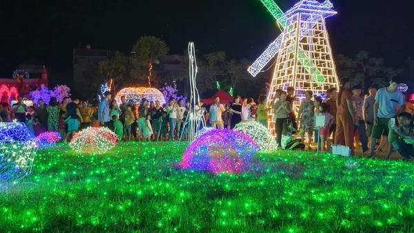 Tiền Giang ơi, lần đầu tiên quê ta tưng bừng tổ chức trình chiếu ánh sáng với hàng triệu bóng đèn Led siêu hoành tráng
