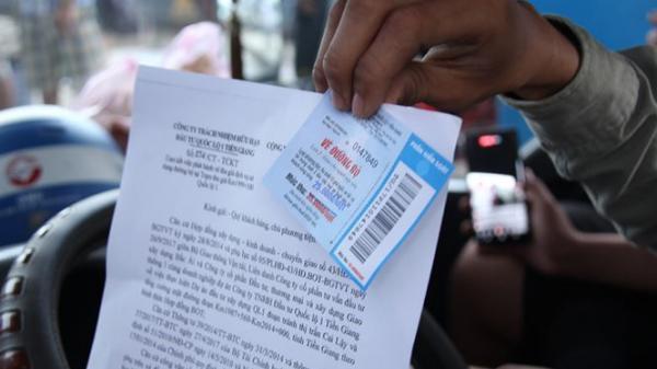 Tài xế phản ứng trạm thu phí BOT Cai Lậy sử dụng vé tẩy xóa
