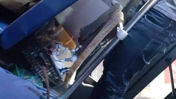 Cười nhếch mép lúc nhận vé tập rồi vò vứt sọt rác, tiếp viên xe buýt ở Sài Gòn bị đình chỉ vì khinh thường khách