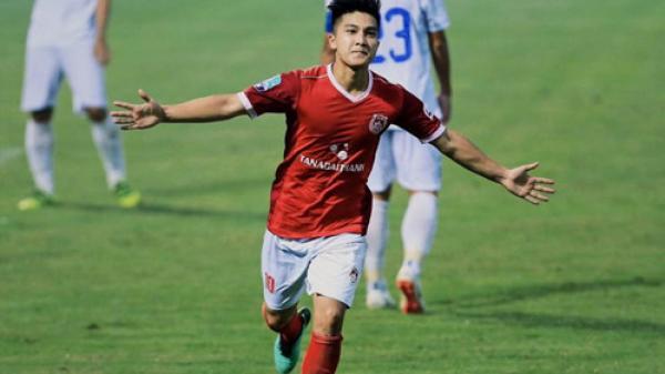 """Vừa được triệu tập vào U23 Việt Nam, cầu thủ CLB Phố Hiến (Hưng Yên) lập tức chiếm """"sóng"""" vì đẹp trai và tài năng"""