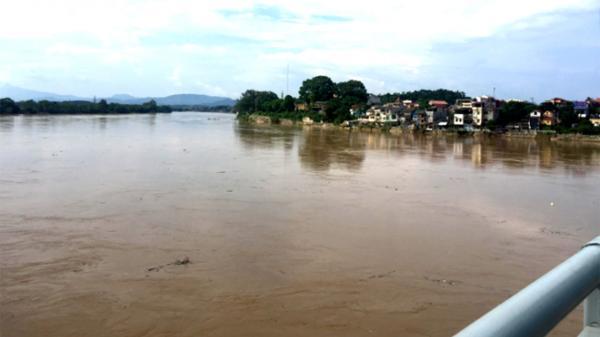 Nước sông Thao tại Yên Bái đang lên cao, người dân cần chủ động ứng phó với lũ