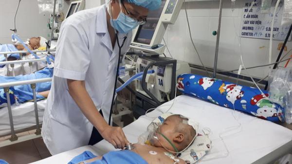 Xót xa bé trai 8 tuổi mắc u não đang cần tiền điều trị ở Hưng Yên