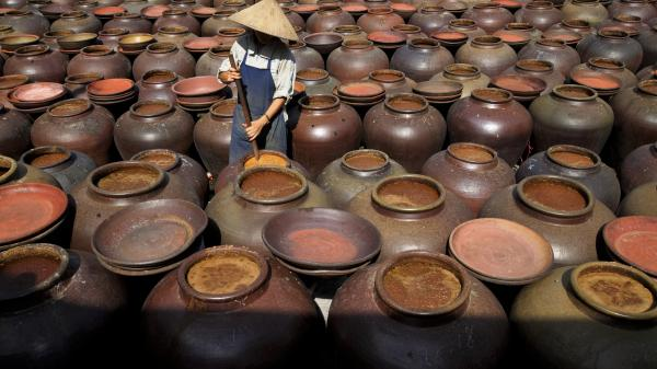 Về Hưng Yên thăm làng tương Bần - nơi sản xuất loại tương thuộc top ngon nhất Việt Nam