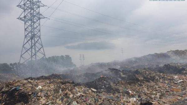 Hưng Yên: Bãi rác khổng lồ bủa vây người dân xã Dị Sử
