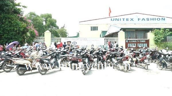 Văn Lâm (Hưng Yên): Doanh nghiệp cho thuê địa điểm khóa cổng, 400 công nhân không vào được xưởng làm việc