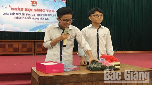 Thầy giáo và 3 học sinh cấp 2 ở Bắc Giang sáng chế bê tông chịu mặn từ rác thải nhựa