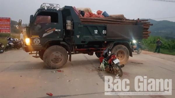 Bắc Giang: Xe tải lùi vào xe máy, một người t.ử v.o.ng thương tâm