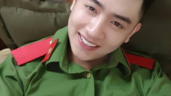 Hot boy trường cảnh sát quê Hưng Yên nổi tiếng trên mạng nhờ hát hay, đàn giỏi