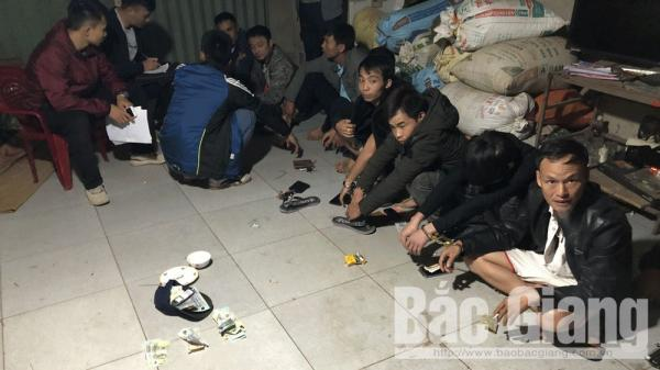 Bắc Giang: Khởi tố 11 đối tượng về hành vi đ.á.n.h b.ạc
