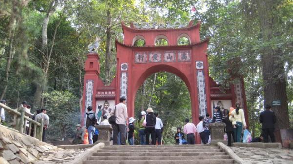 10 ngôi đền, chùa linh thiêng nhất miền Bắc nên đi lễ đầu năm 2020 để cầu bình an và may mắn