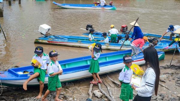 Huyện Ngọc Hiển (Cà Mau): Cần nhiều hơn khu vui chơi cho trẻ em
