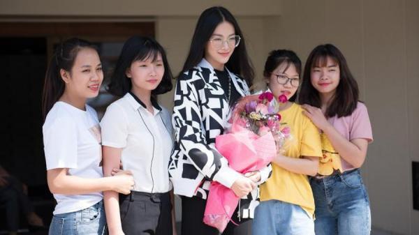 Người đẹp Bến Tre - Hoa hậu Phương Khánh được đón tiếp nồng nhiệt khi đến Nhật Bản
