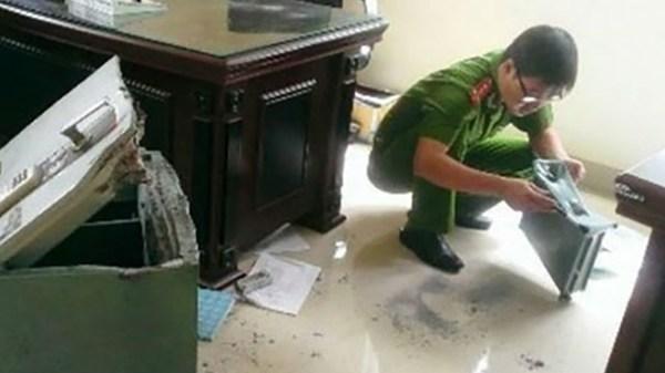 Nghỉ lễ, ủy ban thị trấn ở Cà Mau bị trộ.m két sắt hàng trăm triệu