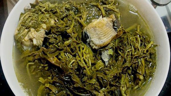 Món ăn nhà nghèo của dân Phú Thọ gây sốt ở Thủ đô: Chờ cả tuần mới đến lượt mua