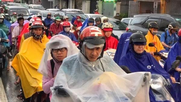 """Chuyện thật ở Sài Gòn: Nơi mà xe cộ chỉ có thể """"nhúc nhích"""", đi bộ còn nhanh hơn chạy xe"""