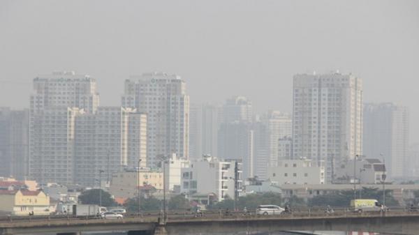 TP.HCM chìm trong bụi mịn, ô nhiễm không khí vượt ngưỡng báo động đỏ, chuyên gia lo lắng: Có thể gây đột quỵ và tăng tỷ lệ ung thư