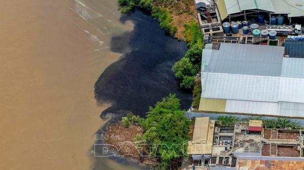 Cà Mau: Vệt màu đen trên sông Gành Hào là do tù đọng