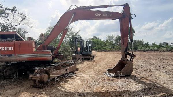 Cà Mau: Tình trạng khai thác đất mặt ruộng trái phép diễn ra công khai ở ngoại thành