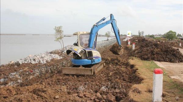 Khẩn trương khắc phục, phòng ngừa tình trạng sụt lún đất tại Cà Mau