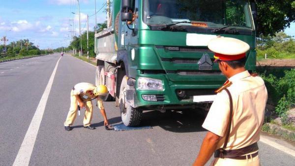 Tài xế chở quá tải trên 150%, doanh nghiệp ở Cà Mau bị phạt 60 triệu đồng