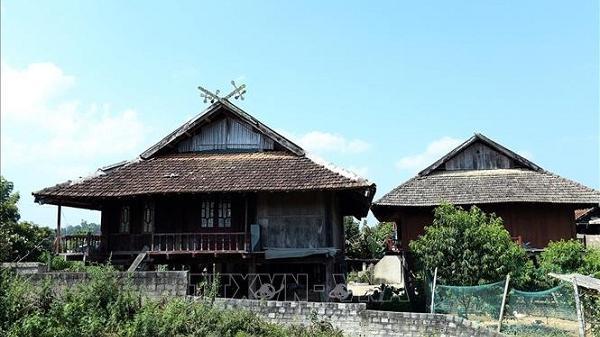 'Khau cút'- biểu tượng văn hóa độc đáo trên ngôi nhà sàn của người Thái đen ở Điện Biên