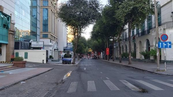 Bình yên đường phố Sài Gòn sáng mùng 1 Tết