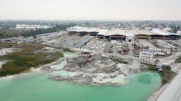 Hà Nam: Một công ty đổ chất thải gây ô nhiễm môi trường