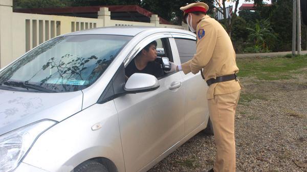 Cảnh sát Giao thông thị xã Duy Tiên xử lý 12 trường hợp vi phạm nồng độ cồn