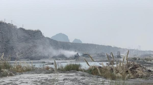 Hà Nam: Nhiều doanh nghiệp sản xuất cát nhân tạo xây nhà máy không phép, gây ô nhiễm