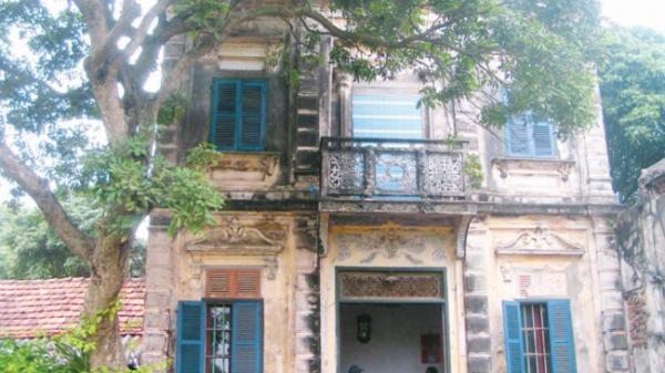 """Hà Nam: Ngôi làng với 20 căn biệt thự cổ trước nguy cơ """"tuyệt chủng"""""""