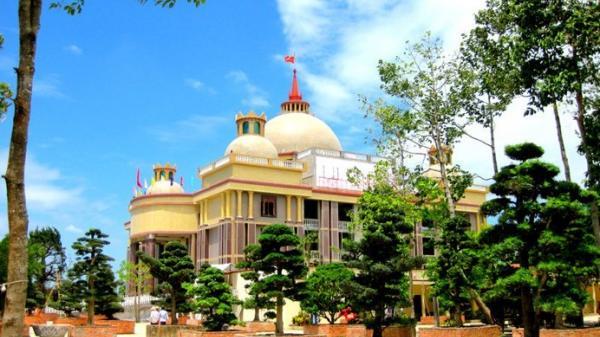 Choáng ngợp trước dinh thự lớn nhất Nam Bộ của đại gia Trầm Bê ở Trà Vinh