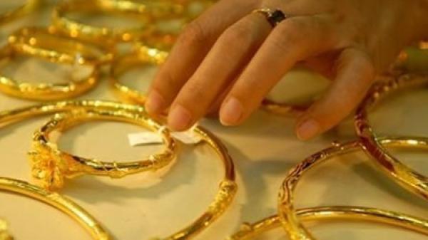 Trà Vinh: Nữ quái chuyên lừ a đảo bằng vàng giả bị k hởi tố