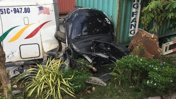 Xác định được số người t.ử v.ong trong vụ tai nạn n ghiêm trọng sáng nay ở cửa ngõ Sài Gòn