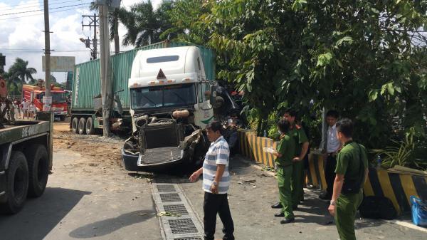 Danh tính các nạn nhân, hé lộ nguyên nhân vụ tai nạn n ghiêm trọng sáng nay ở cửa ngõ Sài Gòn