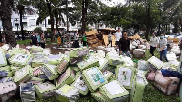 C.háy ngùn ngụt kèm theo nổ tại Sài Gòn, hàng trăm người dân tháo chạy trong đêm