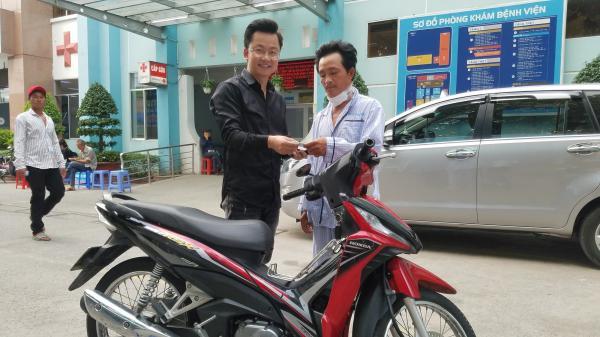 Tin vui đã đến với tài xế GrabBike bị c ướp c ứa cổ ở Sài Gòn