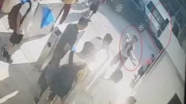 Đoạn video quan trọng vụ bé trai ch ết trên xe Gateway