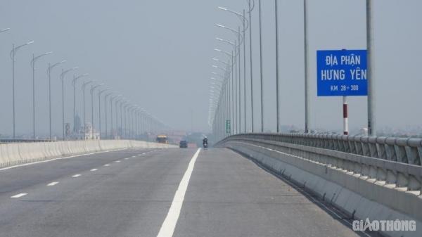 Cây cầu gần 3.000 nối liền 2 tỉnh Hà Nam với Hưng Yên tỷ mất an toàn vì đèn chiếu sáng