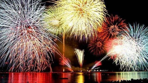 TP Hải Dương bắn 2 loạt pháo hoa tại Lễ công bố lên đô thị loại I vào tối 26/10