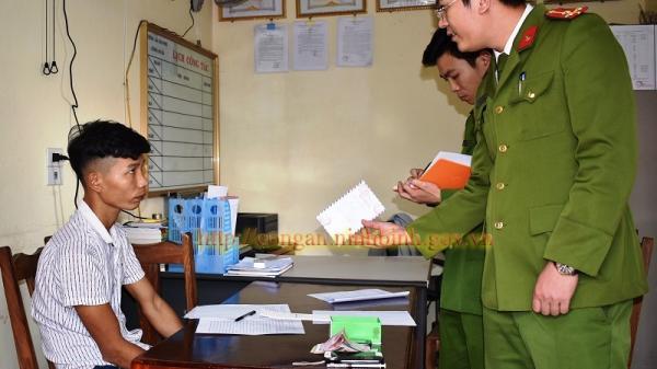 Ninh Bình: Bắt quả tang đối tượng mua bán trái phép hàng cấm