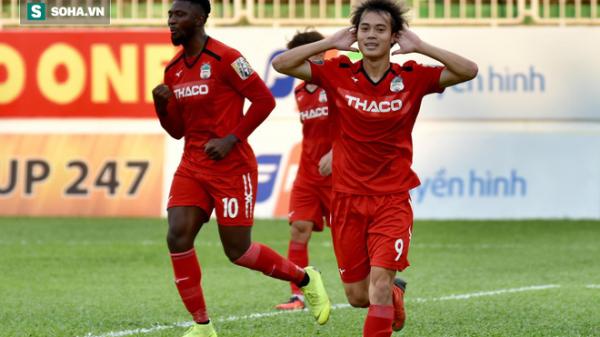 """Văn Toàn bất ngờ được HLV Park Hang-seo """"thăng chức"""""""