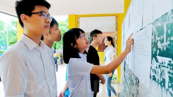 Chùm ảnh: Gần 19.000 học sinh Hải Dương thi vào lớp 10
