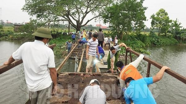 Người dân Hải Dương quyên góp hơn 140 triệu đồng để sửa cầu