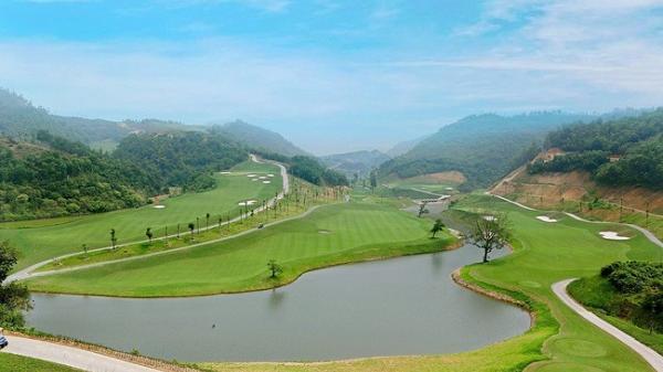 Mãn nhãn với sân golf ở Hòa Bình có địa hình khó và đẹp bậc nhất Việt Nam