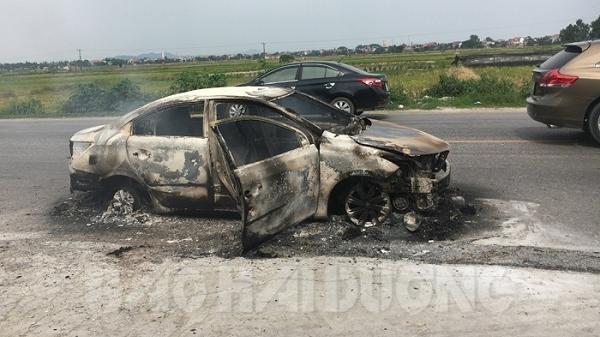 Ô tô Toyota Vios bốc cháy trên quốc lộ 37