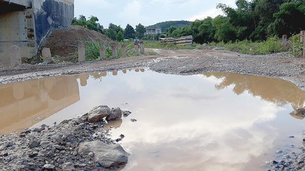 Dân khốn khổ vì dự án cải tạo tỉnh lộ 438B